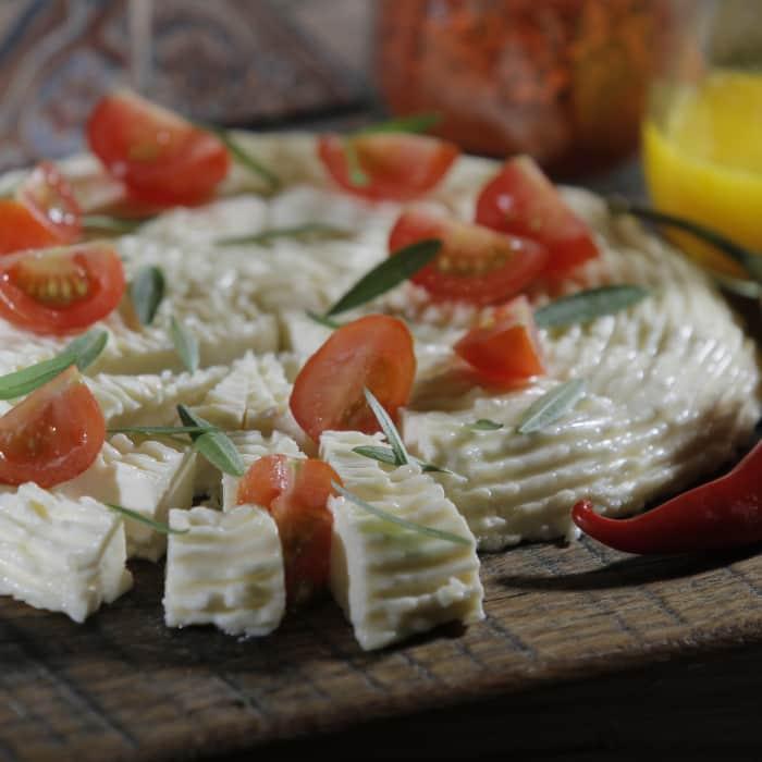 Ser feta zrobiony podczas warsztatów serowarskich
