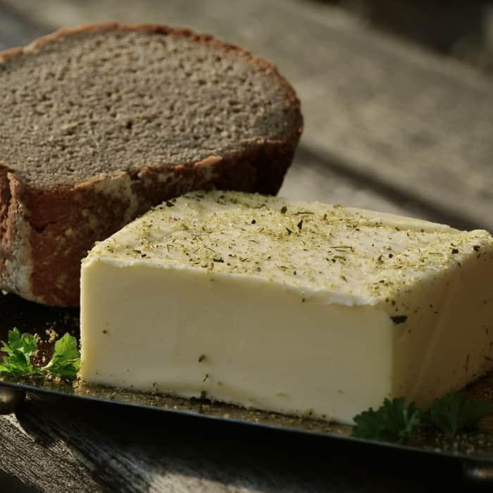 Masło wykonane przez uczestników warsztatów serowarskich
